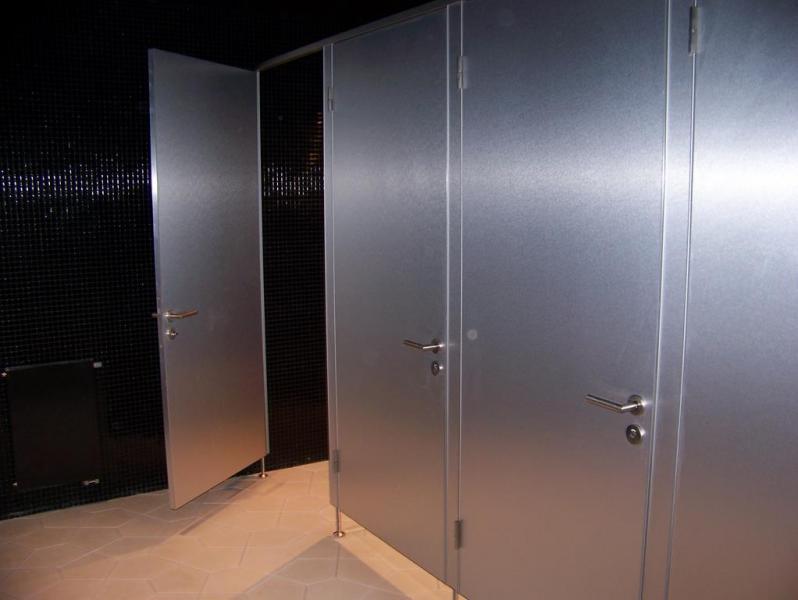 Systemy ścian działowych do sanitariatów i natrysków 1